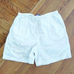 Fresh produce white shorts size medium